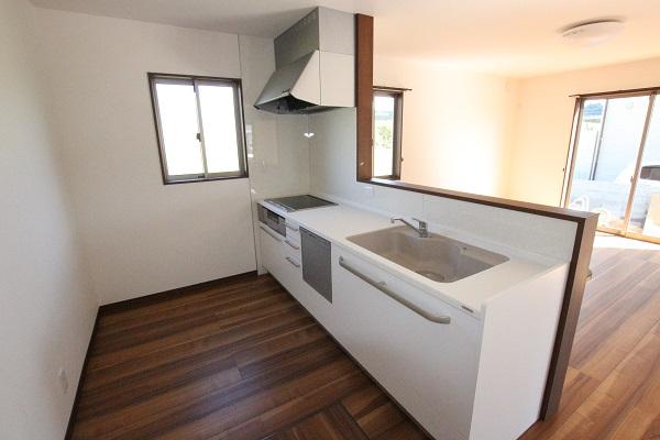 システムキッチン。食洗機も付いています
