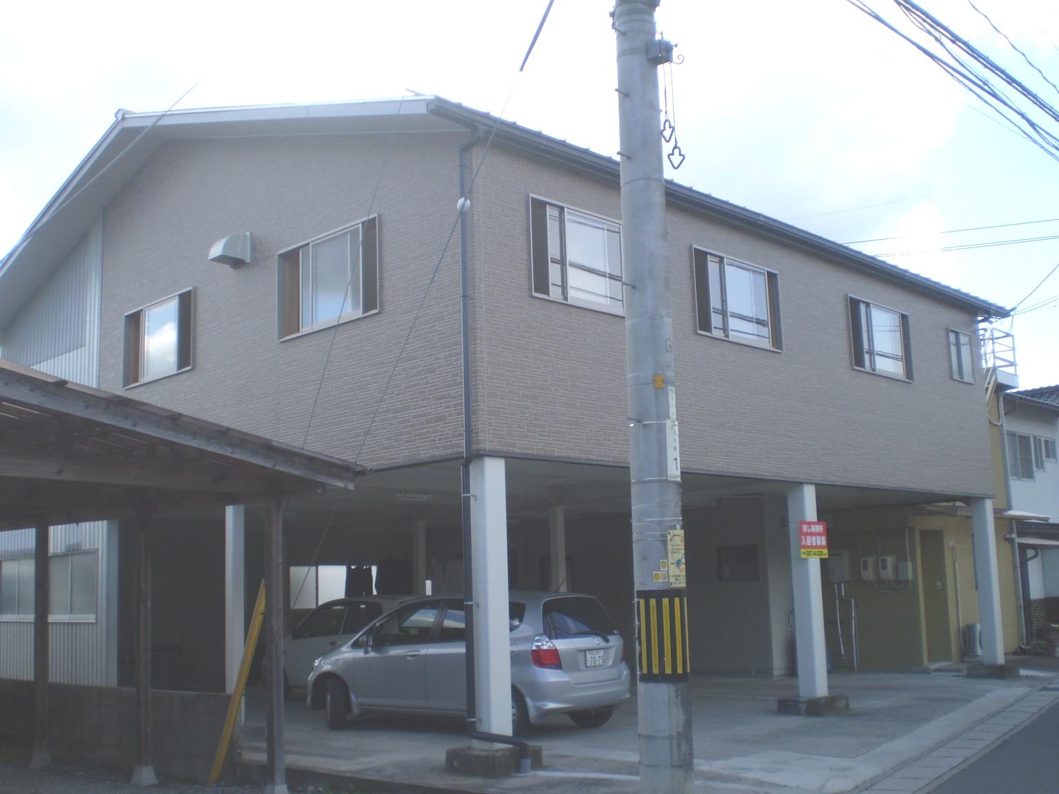 1階が駐車場です。