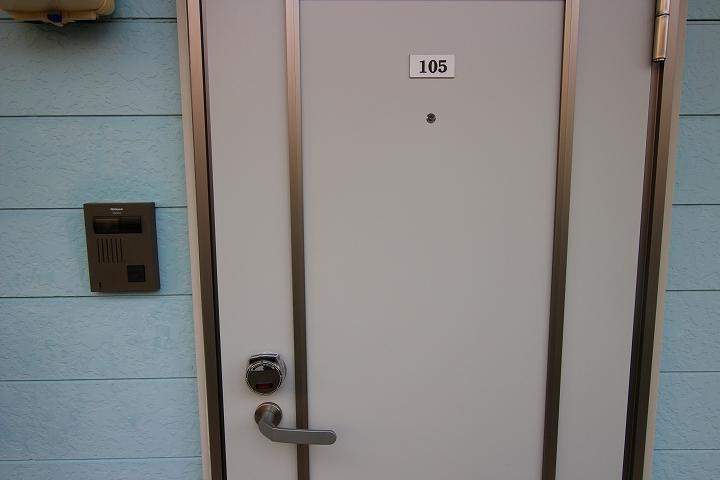 玄関ドア・カードキー