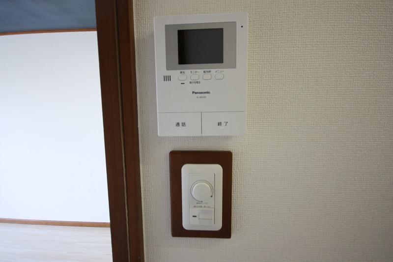 TVモニター付きインターホン・照明調光式